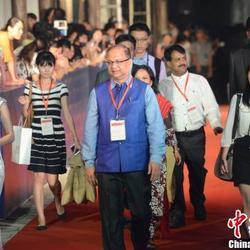 第二届丝绸之路国际电影节主宾国印度代表团团长(印度信息与广播部联合秘书长)随身翻译
