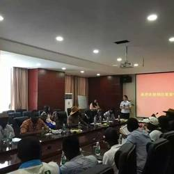 在湘江电缆为利比里亚工程部学员担任交传