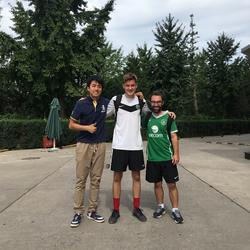 北京13号线将台地铁站兆维大厦ClubFootball 办公楼前