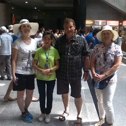 西安口语实习,兵马俑一号坑讲解完毕,一个美国家庭与我