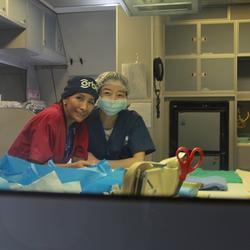 2014年4月,ORBIS在济南进行眼科手术教学期间,负责消毒室口译。
