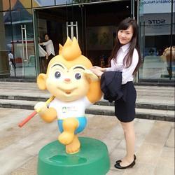 2014年9月在四川省首届国际旅游博览会担任陪同口译